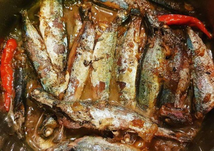 Về Huế ăn cá nục kho rim