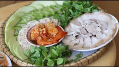 Thịt heo luộc chấm mắm tôm Huế
