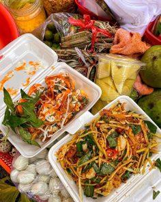 Bánh tráng trộn – Món ăn vặt thần thánh của giới trẻ xứ Huế